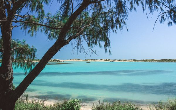 The blue lagoon and rock pools of Coconut Well, Broome